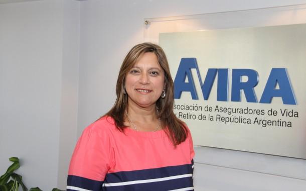 Claudia Mundo seguirá a la cabeza de AVIRA